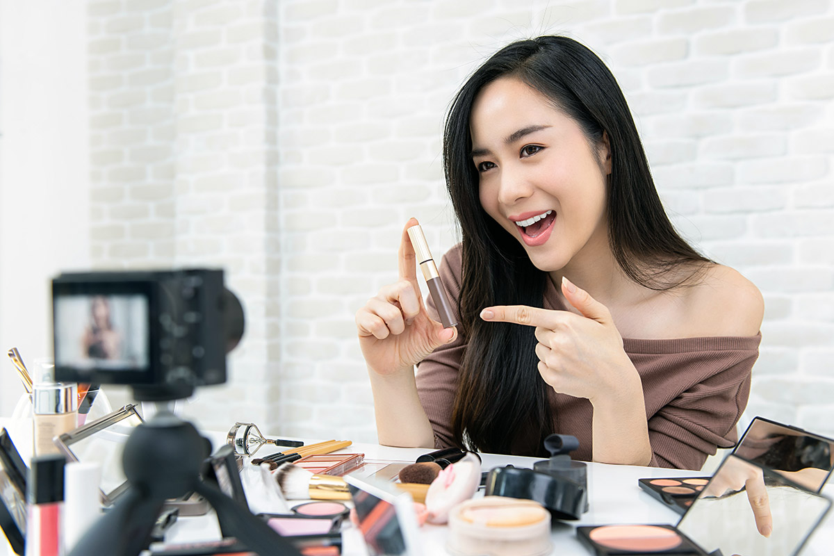 Adfully - Clear complexion - Advertising your cosmetics business on social media 1