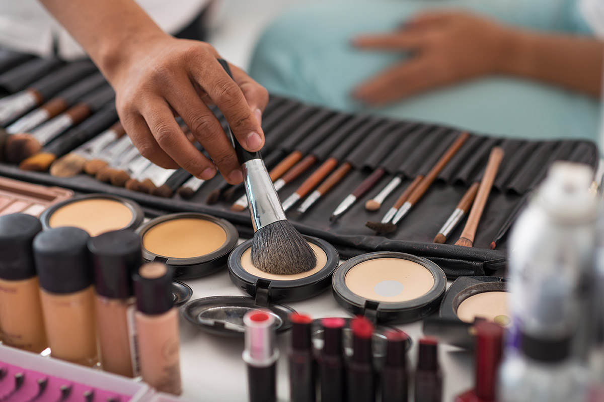 Adfully - Dont Make It Up - Makeup Marketing Strategies That Actually Work 2