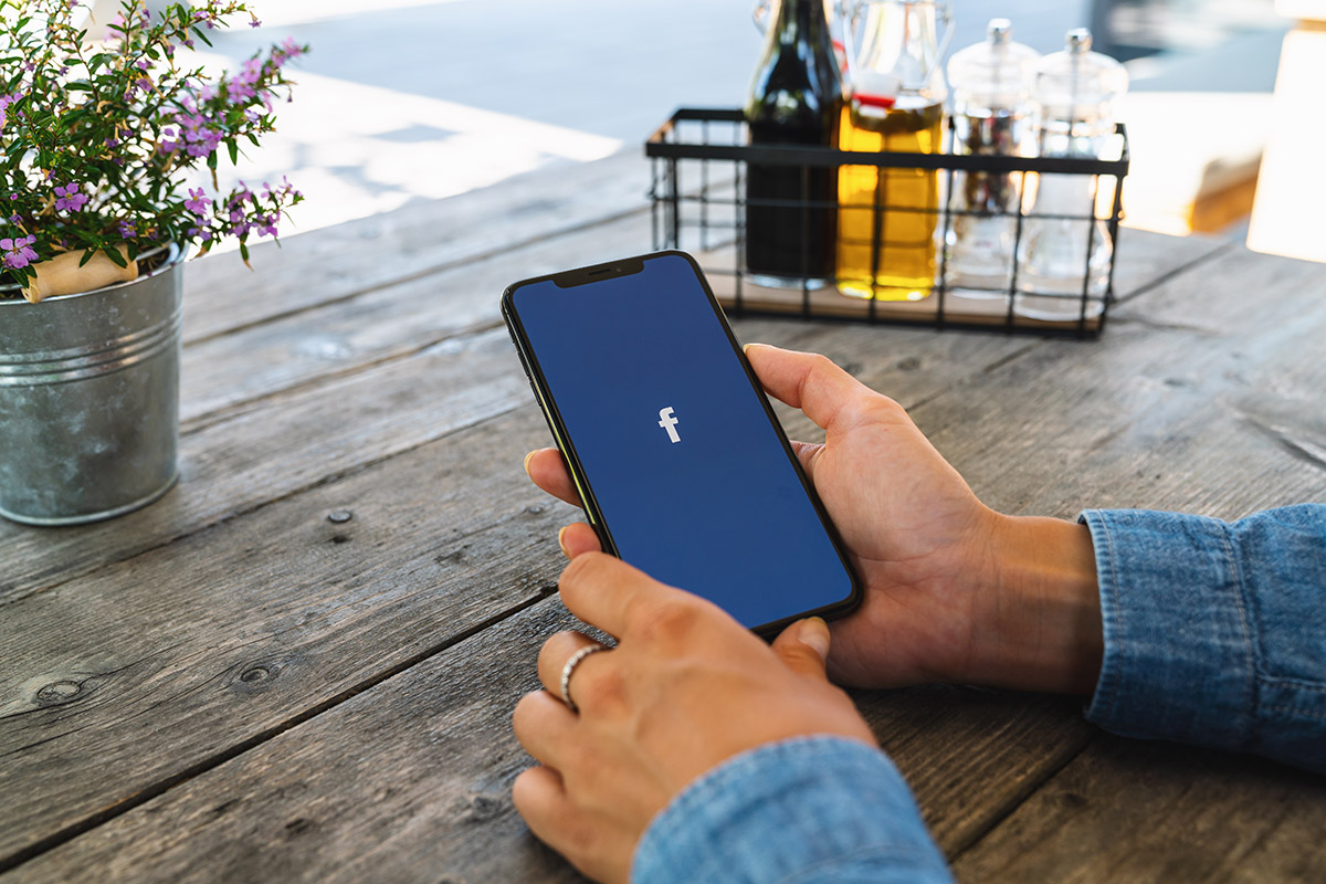 Adfully - Six Bar and Restaurant Facebook Marketing Tips 5